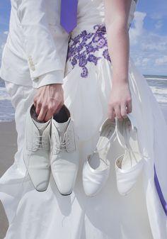 Jullie schoenen zijn zo mooi, dat ze ook gewoon als accessoire gebruikt kunnen worden! #accessoiresweddingpictures Sneakers, Shoes, Fashion, Accessories, Tennis, Moda, Slippers, Zapatos, Shoes Outlet