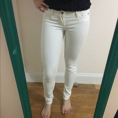 Abercrombie white jeans Fits 0 perfect condition Abercrombie & Fitch Jeans Skinny