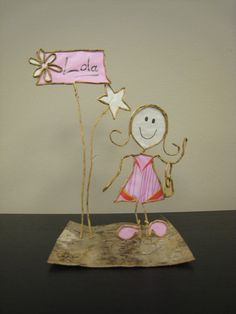 Resultado de imagen para How to do Epistyle wire and paper craft Wire Crafts, Metal Crafts, Crafts To Make, Arts And Crafts, Graduation Crafts, Wire Art Sculpture, Origami And Quilling, Dot Painting, Paper Gifts
