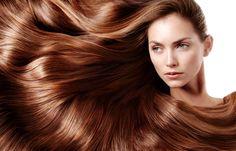 Ингредиенты для маски (для сухих волос после зимы) :  Теплый кефир – 100 мл Желток — 1 шт. Ржаная мука – 2 ст. л. Гороховая мука – 2 ст. л. Витамин Е (в каплях) – 2-3 капли  Приготовление:  Смешать все ингредиенты, нанести их на всю длину волос, укутать голову полиэтиленовым пакетом и полотенцем. Оставить маску на 15 минут, затем смыть теплой водой и высушить волосы.  Кефир, гороховая и ржаная мука и желток – это протеины. Они помогают восстановить структуру поврежденных волос, укрепить его…