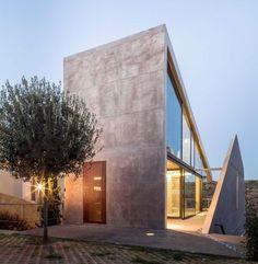 betonhaus griechenland kallitechnoupolis eingang stahl betonfassade