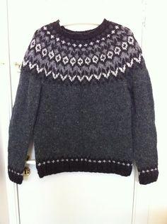 Ravelry: Project Gallery for Riddari pattern by Védís Jónsdóttir Fair Isle Knitting Patterns, Knitting Designs, Icelandic Sweaters, Nordic Sweater, Sweater Design, Knitting For Kids, Textiles, Girls Sweaters, Fair Isles