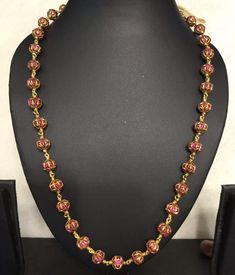 bridal jewelry for the radiant bride Gold Jewellery Design, Bead Jewellery, Beaded Jewelry, Jewellery Boxes, Temple Jewellery, Antique Jewellery, Diamond Jewellery, Handmade Jewellery, Indian Wedding Jewelry