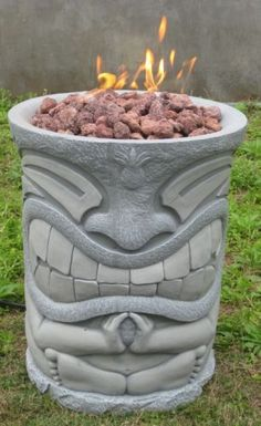 ★ New Outside Patio Hearth Pit Yard Fuel Heater BBQ Tiki Pole Statue Styl. *** See even more at the picture link Décor Tiki, Tiki Pole, Tiki Art, Bars Tiki, Arte Bar, Tiki Bar Decor, Tiki Bar Stools, Tiki Statues, Fire Pit Furniture