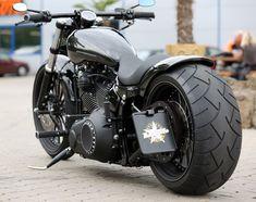 #Harley-Davidson Softail Breakout by Thunderbike Customs #harleydavidsonsoftailcustom