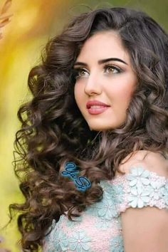 Sortbeauty-Shop over 10000 products including make up, skin care, hair care and nail colours,all about women men beauty. Beautiful Girl Indian, Most Beautiful Indian Actress, Beautiful Girl Image, Most Beautiful Faces, Gorgeous Eyes, Stunningly Beautiful, Brunette Beauty, Hair Beauty, My Hairstyle