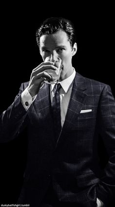 *slowly melts into a pile of fangirl and Benedict*