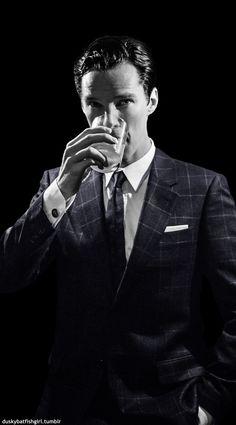 Benedict Cumberbatch ~That intelligence / That Voice. Zane Holtz, Sherlock Holmes, Jim Moriarty, Martin Freeman, Johnlock, Mrs Hudson, Benedict Cumberbatch Sherlock, Dr Strange, Andrew Scott