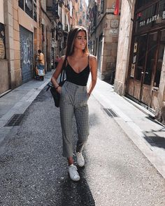18 wunderschöne Outfits für das neue Jahr 2019 – Mode Und Outfit Trends 18 beautiful outfits for the new year 2019 Teen Girl Outfits, Mode Outfits, Fashion Outfits, Summer Outfit For Teen Girls, Fashion Ideas, Outfit Ideas Summer, Dress Fashion, Fashion Guide, Party Outfits