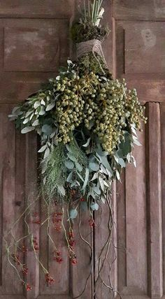 Christmas Swags, Xmas Wreaths, Christmas Door, Rustic Christmas, Door Wreaths, Christmas Holidays, Arte Floral, Nature Decor, Xmas Decorations