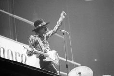 Jimi Hendrix Experience am Monsterkonzert im Hallenstadion. Com_L17-0330-309A