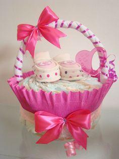 Windeltorte mit Namen Korb Baby Geschenk zur Geburt, Taufe, Baby Shower