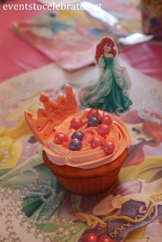 Simple but themed games and activities for a Disney Princess Birthday Party that will keep guests moving, laughing and having fun! Princess Party Activities, Princess Birthday Party Games, Disney Princess Cupcakes, Princess Party Favors, 10th Birthday Parties, Adult Birthday Party, Rainbow Birthday, Birthday Party Favors, Birthday Crowns