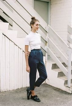 Street Style Summer Looks Summer outfits Casual Outfits, Fashion Outfits, Womens Fashion, Fashion Trends, Casual Pants, Modern Style Outfits, Winter Outfits, White Outfit Casual, Summer Outfits