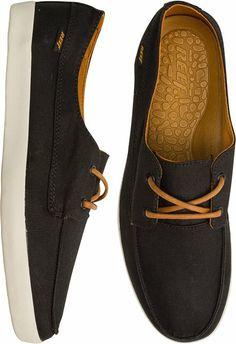 Reef Deckhand shoe. http://www.swell.com/New-Arrivals-Mens/REEF-DECKHAND-LOW-SHOE?cs=BL