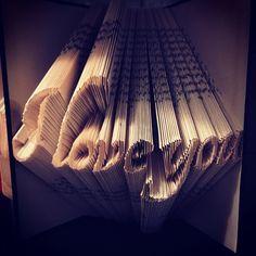 Freue mich, euch diesen Artikel aus meinem Shop bei #etsy vorzustellen: Gefaltetes Buch