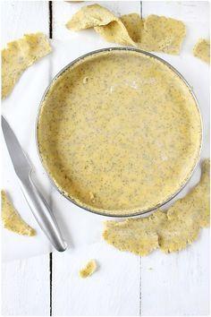 Pâte sablée aux amandes, pâte sablée aux noisettes et aujourd'hui pâte sablée au miel et graines de pavot. Décidément, j'aime bien varier mes recett