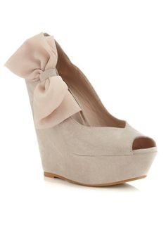 Pretty nude wedge with a large nude chiffon bow! When the husbands away the heels can big as high as I want !!!!