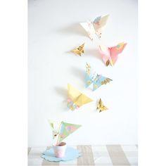 Pastelowe papierowe motyle  http://www.mojebambino.pl/papiery-do-rysowania-brystole/147-zestaw-papierow-pastelowych.html