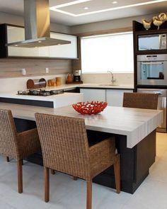Cozinha para inspirar ✨ contraste de materiais dão todo o charme do ambiente