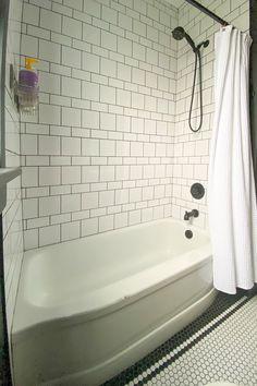 Bathroom Tile Designs, Bathroom Floor Tiles, Laundry In Bathroom, Bathroom Interior Design, Shower Floor Tile, Bathroom Ideas, Old Bathrooms, Bathroom Renovations, Bathroom Inspiration