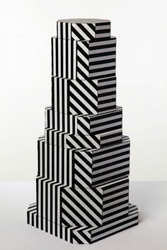 Oeuffice  - Ziggurat Containers