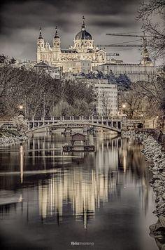 Puente de la reina Victoria. Madrid