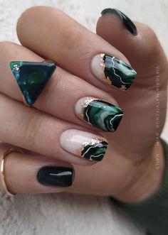 Green Nail Art, Green Nails, Trendy Nail Art, Stylish Nails, Green Nail Designs, Nail Art Designs, Popular Nail Designs, Popular Nail Art, Emerald Nails