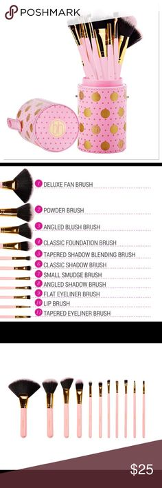 Dot Collection - 11 Piece Brush Set in Pink Dot Collection - This 11 Piece Makeup Brush Set is spot on! Featuring plush, cruelty-free face and eye cosmetic brushes with matching bristles and handles in a convenient hard, cylindrical storage case. Add a touch of color and playfulness to your vanity. Multipurpose brushes include: angled liner, lip, flat eyeliner, angled shadow, small smudge, classic shadow, tapered shadow, classic foundation, angled blush, powder and deluxe fan (great for…