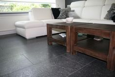 Prachtige Graniet steel grey leather finish vloer, modern en strak, door Natuursteen Meterik.
