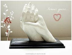 Husband & Wife - hold their hands for ever! 3D casting - by Julia Schulze, Germany.
