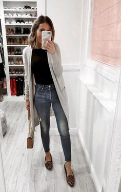 39 Beautiful Winter Outfit Ideas is part of Winter outfits - Most ladies believe that being fashionable in winter's means staying cold, and the only way to keep warm in these […] Fall Winter Outfits, Autumn Winter Fashion, Spring Outfits, Trendy Outfits, Fashion Outfits, Work Outfits, Teacher Outfits, Shoes For Winter, College Winter Outfits