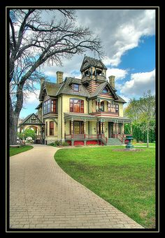 Allyn Mansion Victorian 1885 Victorian home - Wisconsin