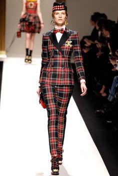 Moschino Fall 2013 Ready-to-Wear Fashion Show - Suvi Koponen