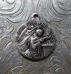 French Saint Rita Religious Medal Patron St. Of Infertility, Signed Karo Abuse Victims, Difficult Marriages, Impossible Cases Holy Medallion