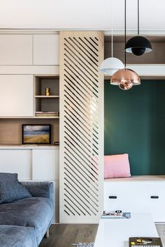Rangement : des meubles sur mesure et multifonctions The facilities play hide-and-seek in the living Living Room Kitchen, Home Living Room, Living Room Furniture, Diy Interior, Interior And Exterior, Best Smart Home, Bathroom Plans, Wall Treatments, House In The Woods