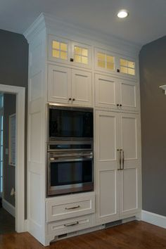 10 Foot Ceilings And Cabinets Crown Moulding Above