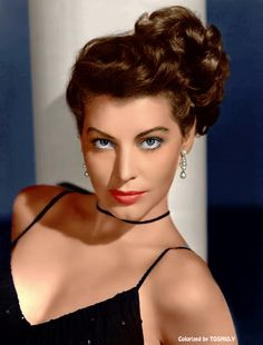 Ava Gardner: one of the most beautiful women in film history. Hollywood Icons, Old Hollywood Glamour, Golden Age Of Hollywood, Vintage Hollywood, Hollywood Stars, Hollywood Actresses, Classic Hollywood, Sophia Loren, Ava Gardner Photos