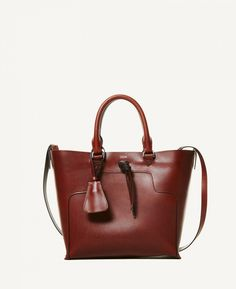 a2dd29964c9 Taylor is a black tote bag made from 100% ecological, cowhide leather from  Tärnsjö