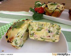 Cuketovo-bramborové muffiny se sýrem a slaninou