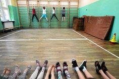 Na klasę z czwórką niepełnosprawnych dzieci w jednej z poznańskich szkół państwo daje ponad dwanaście tysięcy złotych tzw. subwencji oświatowej. Z klasą pracuje jeden nauczyciel, jego praca na pewno tyle nie kosztuje - większość pieniędzy trafia do wspólnego worka. Teraz ma się to zmienić.