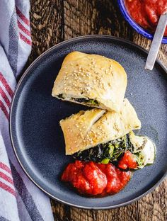 Apr 2020 - Easy New York style Broccoli Rabe Sausage Roll with fresh mozzarella. Great recipe for a weeknight meal. Sausage Recipes, Pizza Recipes, Great Recipes, Healthy Recipes, Healthy Meals, Dinner Recipes, Broccoli Rabe And Sausage, Broccoli Rabe Recipe, Veggie Appetizers