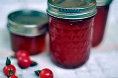 Rose Hip Jelly Recipe  6 cups rose hips  4 cups water  2 1/2 cups sugar  1/2 packet pectin  1/3 cup lemon juice (1 lemon)  3 to 4 8-oz canning jars