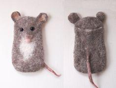 Handytaschen - Handytasche - Mouse Magda - ein Designstück by miniaturi on DaWanda