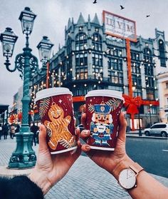 Image about inspiration in Everything ? by Mahia : Uploaded by Franzi. Find images and videos about inspiration, winter and city on We Heart It - the app to get lost in what you love. Cosy Christmas, Days Till Christmas, Christmas Feeling, Little Christmas, Christmas Holidays, Xmas, Christmas Gingerbread, Christmas Scenes, Scandinavian Christmas