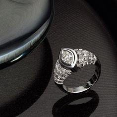 18k white gold diamond ring Fine Jewelry, Jewellery, White Gold Diamonds, Jewelry Collection, Wedding Rings, Seasons, Jewels, Engagement Rings, Enagement Rings
