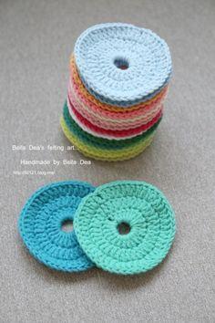 꽃들의 향연 - 꽃 모양 모티브 블랭킷 도안 , 손뜨개 커튼 만들기 [ 앵콜스뜨개실 , 벨라디아 ] : 네이버 블로그 Diy And Crafts, Crochet Earrings, Baby Shoes, Crochet Hats, Felt, Kids, Handmade, Children, Boys