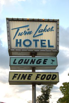 Twin Lakes ✮ Vintage Sign