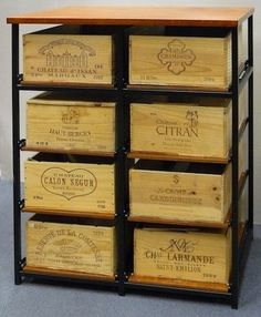 Caisses de vin on pinterest wine crates wine boxes and - Meuble cave a vin en bois ...