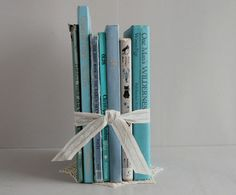 Three of my favs in one piece! Teal/Aqua, Books and Vintage!